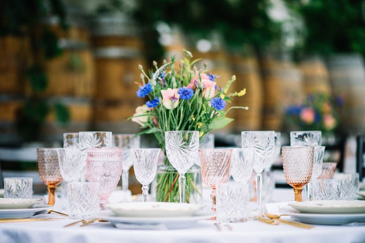 Smukke omgivelser og borddækning