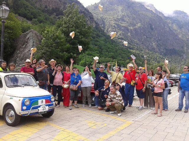 Primo Raduno FIAT 500 Cinquino nella Valle del Cervino 2014 sosta ad Antey St. André ( Aosta Valley )  02/08/2014 FIAT 500 CLUB ITALIA COORDINAMENTO DI CREMONA  #valtournenche   #breuilcervinia   #cervino   #aostavalley   #enjoycervino   #summeradrenaline  #fiat500   #fiat500owners   #fontina  #dreamcar   #finally   #happy   #loveit   #car   #minicar   #italiancars   #fiat