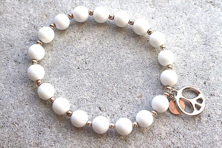 MiniMala with 18 beads, beautiful white agate, and peace charm. www.minimala.se