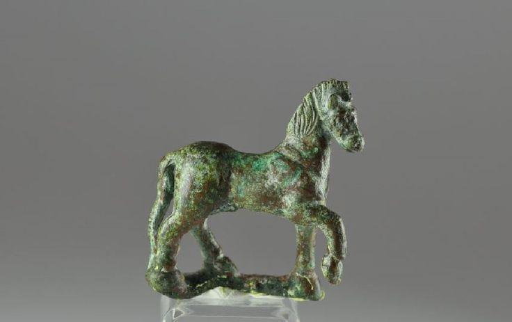 Roman bronze horse statuette, 1st-2nd century A.D. Roman bronze horse statuette of a horse in the prancing position, 5 cm long. Private collection