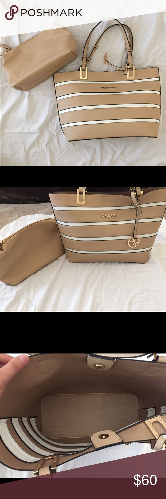 Michael Kors purse Super cute, excellent condition micheal kors purse/tote. Both purses are included. (Non authentic) no rips or tears. KORS Michael Kors Bags Totes