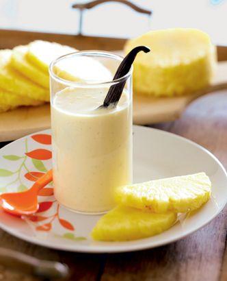 Voici un petit déjeuner très rafraîchissant qui se prépare en 5 minutes. Ce smoothie d'ananas à la vanille vous émerveillera !