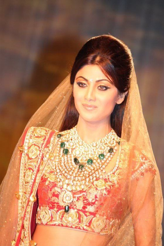 Look - Bridal pakistani hairstyles for round faces photo video