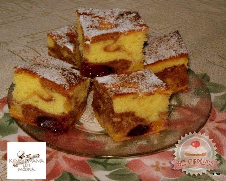 Nektarinos-szedres joghurtos sütemény