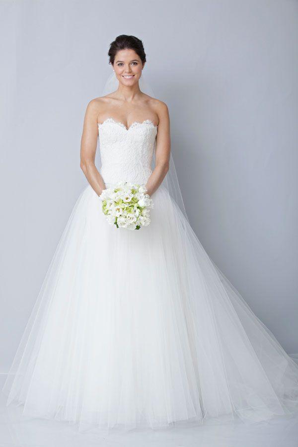 Romantische bruidsjurk  _i am in love with this dress!