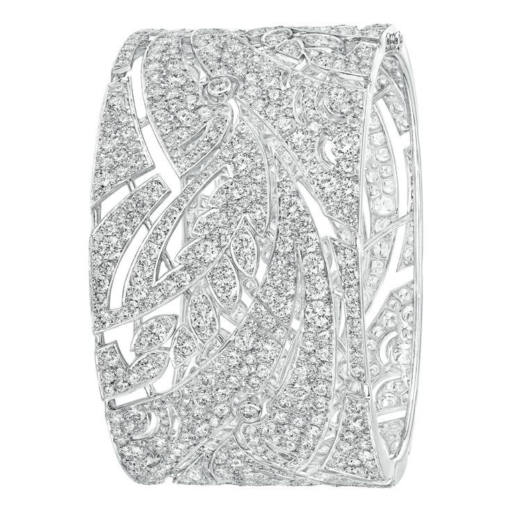 Champ de Blé #Cuff from #LesBlesDeChanel - #Chanel - #FineJewelry collection in 18K white gold set with 869 #BrilliantCut - #Diamonds (29.6 cts) - July 2016