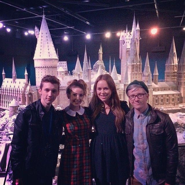 ITS SNOWING AT HOGWARTS with @Tyler Oakley @Troy Ellerman Sivan & @Tanya Knyazeva Burr #HogwartsAtChristmas