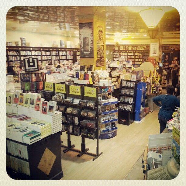 Cúspide Libros - Sucursal Portal Rosario - Nansen 255 - Rosario