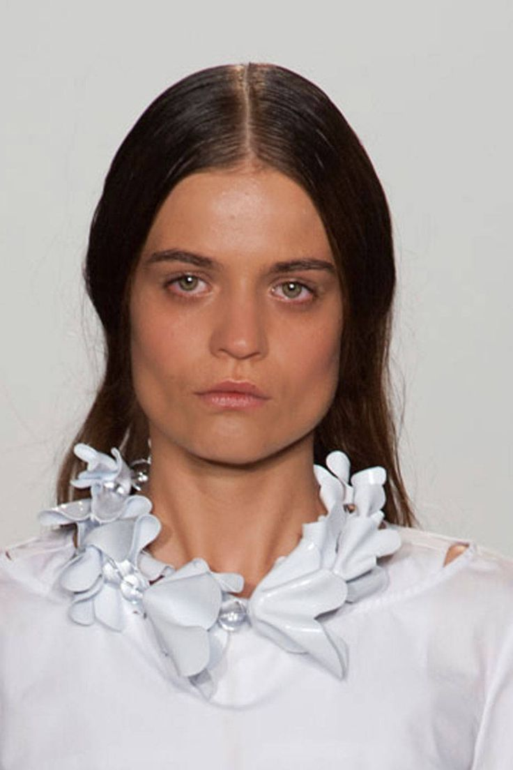 Catwalk Fashion Jewellery 2014: white bead and flower ...