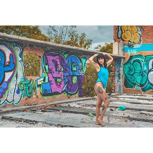 Modelo: @meldf . . . . .  #modellife #modelmanagement #modelling #fitmodel #supermodel #modelphotography #fashionmodel #modelingagency #altgirl #testshoot #altmodel #modeltest #instamodel  #mexigers #primerolacomunidad #igersmexico #igersdf #canonphotos #canoneos #canonrebel #focalmarked #beatiful #fashion #streetart #streetstyle #woman #girl #graffiti #instagood