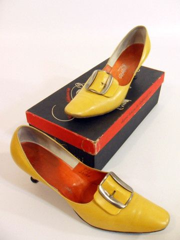 Vintage 50s Yellow Leather Pumps by Caprini - 9.5