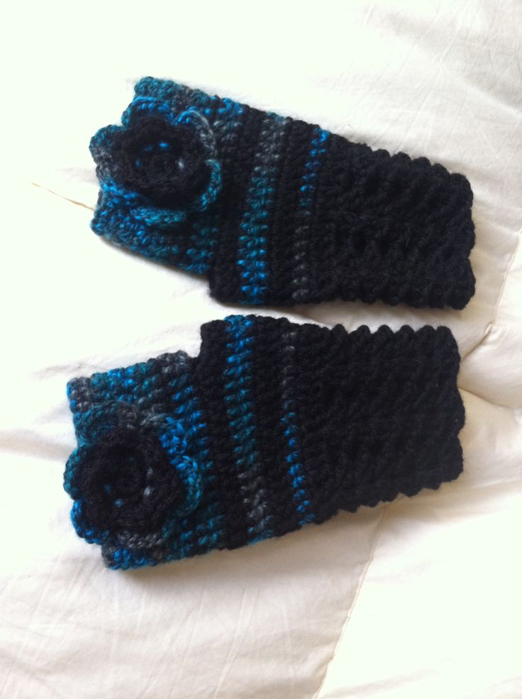 Guante de lana, tejido a crochet.
