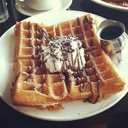Image via We Heart It https://weheartit.com/entry/160894013/via/8432359 #breakfast #dessert #foodporn #icecream #sweet #syrup #vanilla #waffle #whippedcream #yummy #chocolatedrizzle
