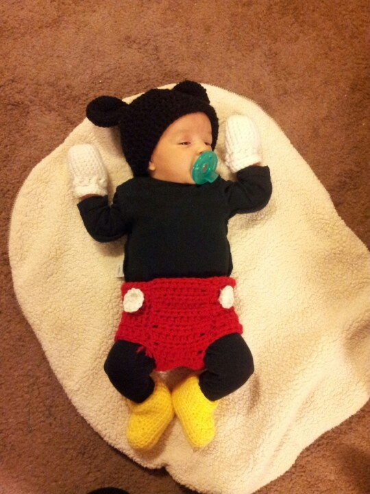 1st Halloween mickey mouse costume♥