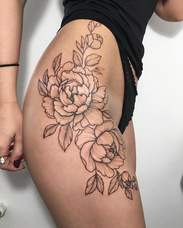Tattoo Linework Dotwork Flowers Peony Dotwork Flowers Linework Peony Tattoo In 2020 Flower Thigh Tattoos Flower Hip Tattoos Floral Thigh Tattoos