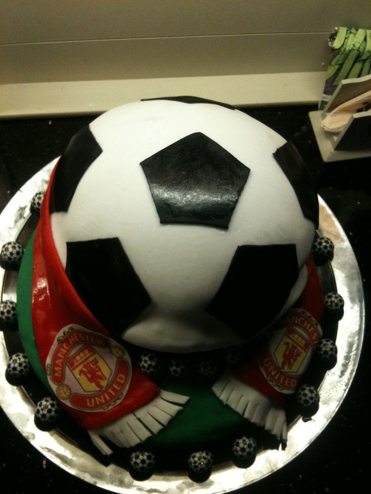 Soccer cake,my very first:) Fotballkake,min aller første til min venninnes sønn:)