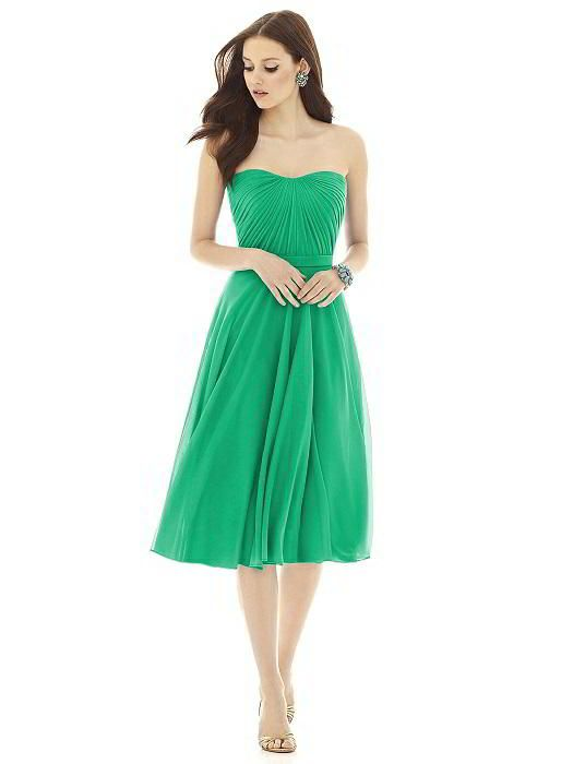 Alfred Sung Style D726 http://www.dessy.com/dresses/bridesmaid/alfred-sung-style-d726/