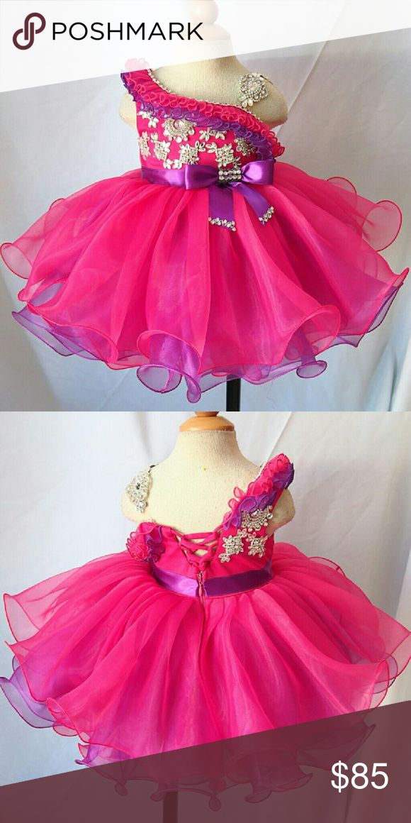 Toddler girl pageant dress Size 18 months, great condition, worn twice Dresses Formal
