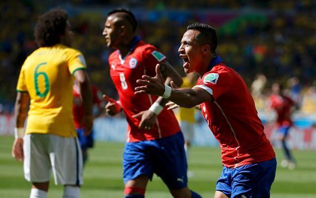 Alexis Sánchez pone el empate momentáneo tras un error defensivo de Brasil (Foto: Reuters)