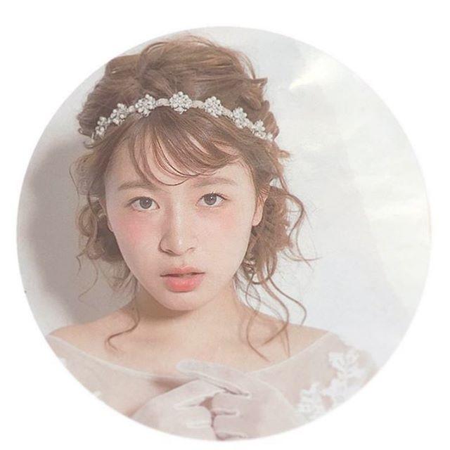 ウェディングドレスの時のヘアセットはこんな感じにお願いしよう 髪型もやけど、このモデルさんが可愛いすぎる #wedding #ウェディングヘア #ブライダルヘア #ヘアアレンジ #ブライダル #プレ花嫁