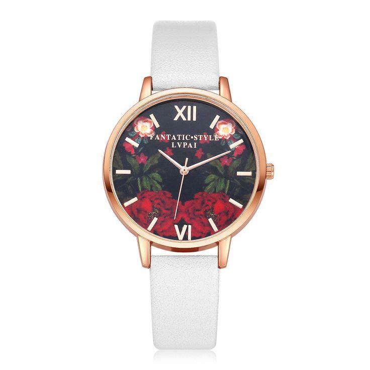 La montre tendance du moment!. Idée cadeau à retenir! Superbe montre, unique en son genre.  Un jolie montre beige qui sublimera vos poignets en un clin d'oeil!!!  La montre parfaite à offrir ou s'offrir!  Emballage cadeau offert!