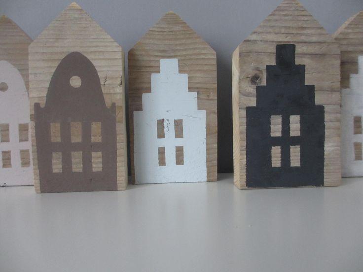 gevelhuisjes op steigerhout