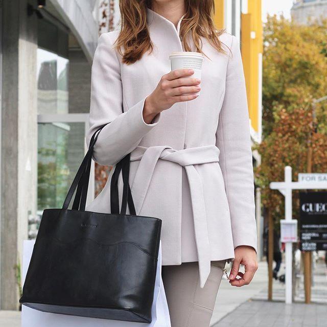 Check out our online store✨ www.bydansti.com #bydansti #bag #bags #baglover #scallops #leather #vegetabletanned #veske #tote #coffee #blush #jacket #belt #streetstyle #sanfrancisco #fashion #style #scandinavian #blog #blogg #scandinavianstyle #fall #brunette #nettbutikk #norge