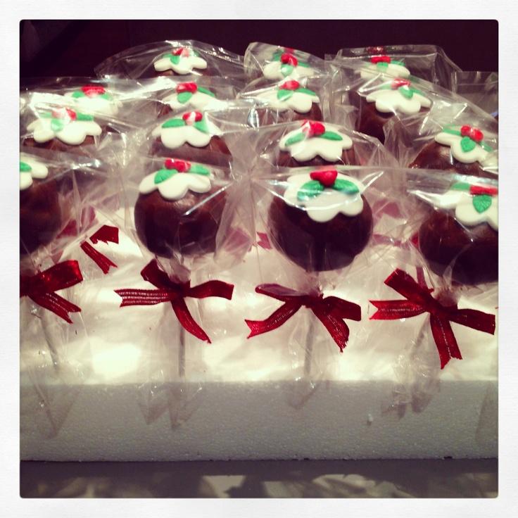 Christmas theme cake pops.