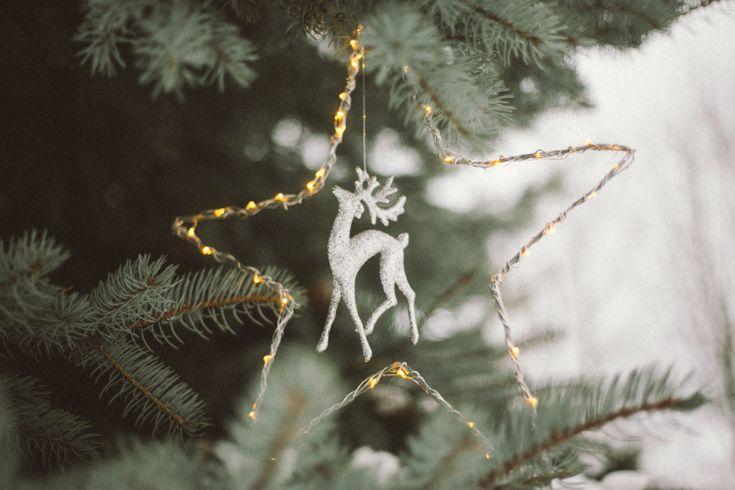 DIY Christmas Star Light // Simple + Beyond