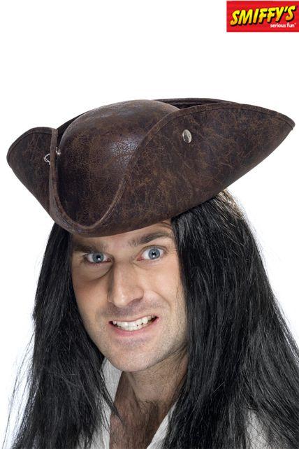 Chapeaux de Pirate cuir brisé en vente chez Ledeguisement.com