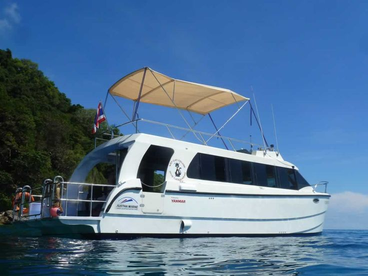 """Scuba Diving Khao Lak on board the """"Wet Cat"""" booked with Easy Day Khao Lak Tours. Wet Cat is Easy Days Favorit Diving Boat in Khao Lak. Dive in Now!"""