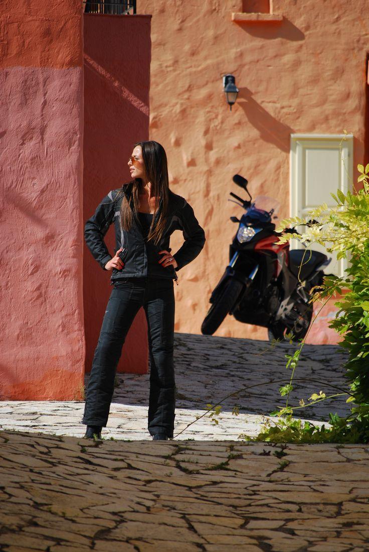 Feel the sunshine <3 #fashin #shox #bikergirl
