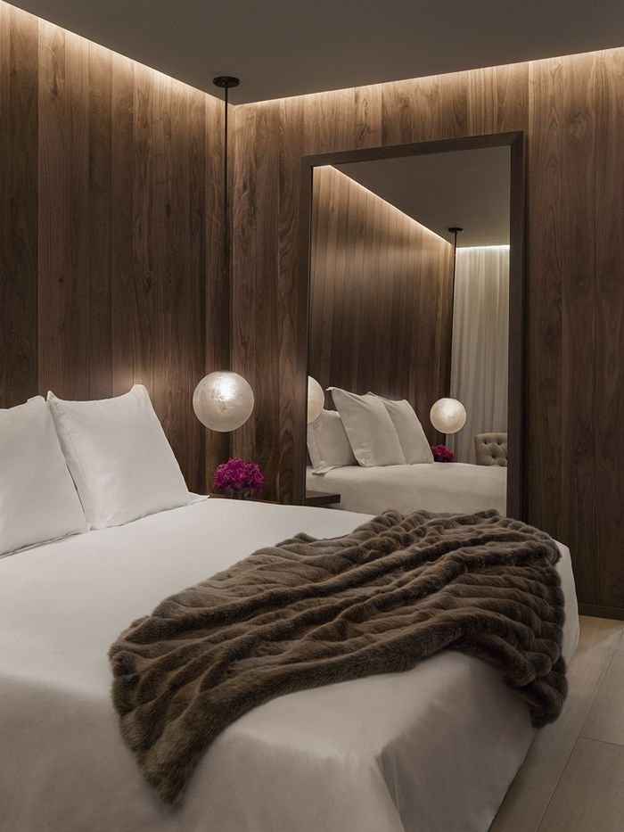 Bedroom in the London Edition Hotel by Yabu Pushelberg & Ian Schrager.
