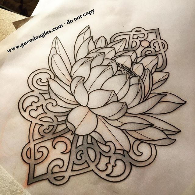 Gettin' fancy with a lotus. She sent me one that had some blue crescents around it and said she'd rather have something more jewelry like. This is what I came up with. For either tomorrow or Saturday evening ☺️ @taikogallery #tattoo #tattoos #tatowiermagazin #germantattooers