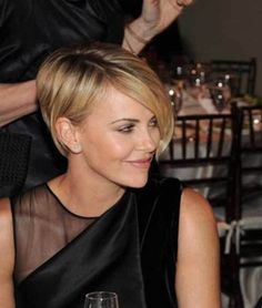 20 More Sassy Long Pixie Hairstyles: #3. Charlize Theron Platinum Pixie Hair Style: