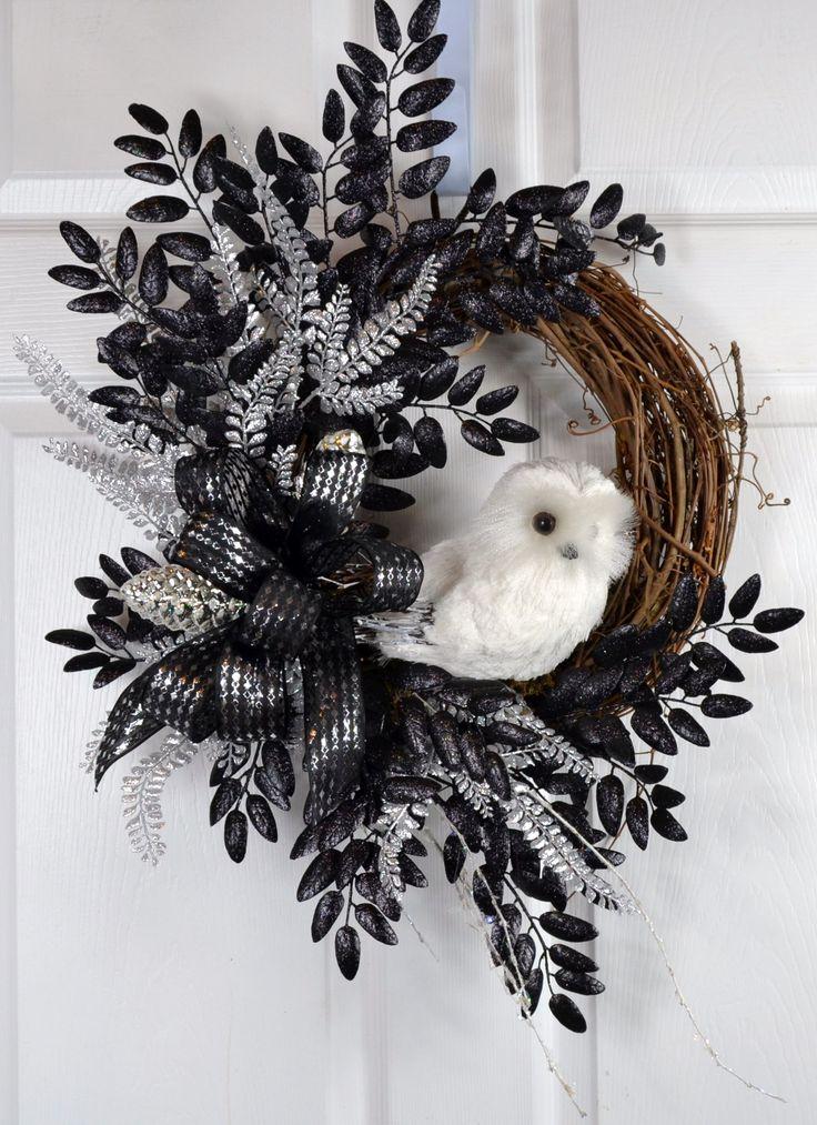 White Owl Black Silver Wreath   Christmas decorations ...