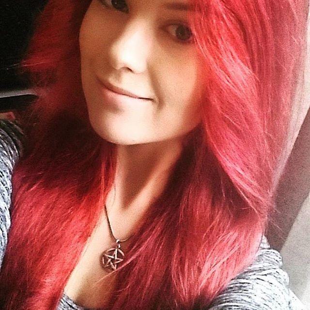 #Repost @saanaaitamaa ・・・ #redhead #hermansamazinghaircolor  #redhairdontcare #me #selfie #photooftheday #hermansprofessional #vegan #crueltyfree @hermansprofessional