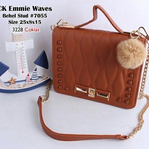 Emmie waves 210k