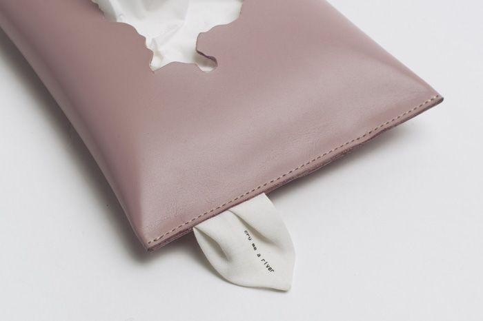 Cry me a river: despre lamentație, în roz