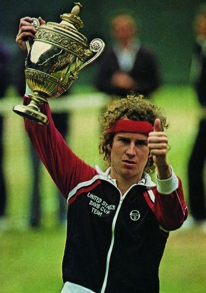 La veste de survêtement New Ghibli est un classique de Sergio Tacchini créé au début des années 80 pour l'équipe américaine de Coupe Davis.