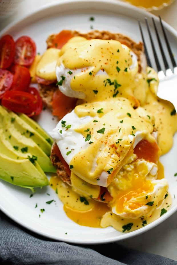 Blender Hollandaise Sauce with Eggs Benedict - learn how to make EASY and perfect hollandaise sauce every single time! #blenderhollandaisesauce #hollandaisesauce #poachedeggs #eggsbenedict | Littlespicejar.com