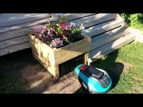 Garage for robotic lawn mower – YouTube