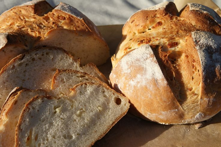 The Pink Whisk's Cheshire Cheese & Chive Loaf
