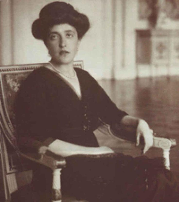 Maria Altmann's aunt Adele Bloch-Bauer, circa 1910. The Woman in Gold