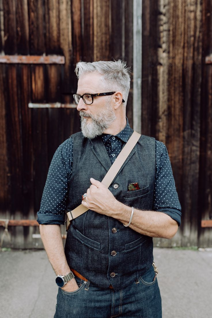 bruno streich founder of STREICH, thes swiss bag and accessories manufacturer. #streichbag #brunostreich #waistcoat #beard #beardmodel #saltandpepper #glasses #waistcoat #denim #selvedgedenim