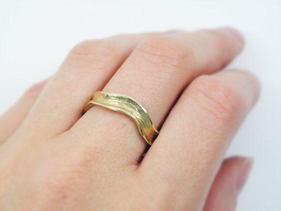 Wave gold ring. 14k Yellow gold ring. Curvy wedding by MayaOr