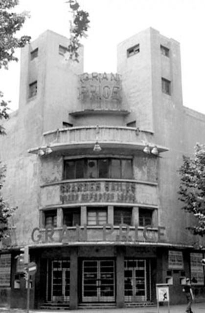 El 25 de abril de 1970 , la sala Gran Price de Barcelona, especializada en espectáculos de boxeo y lucha libre. Papá IBA a ver las luchas.