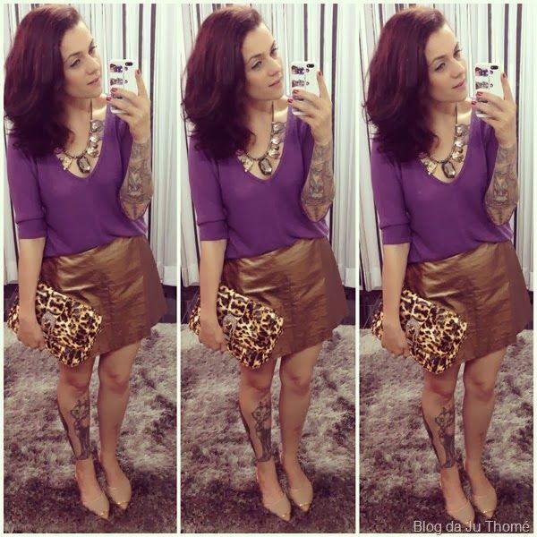 look saia dourada, tricô roxo e clutch de onça (2)