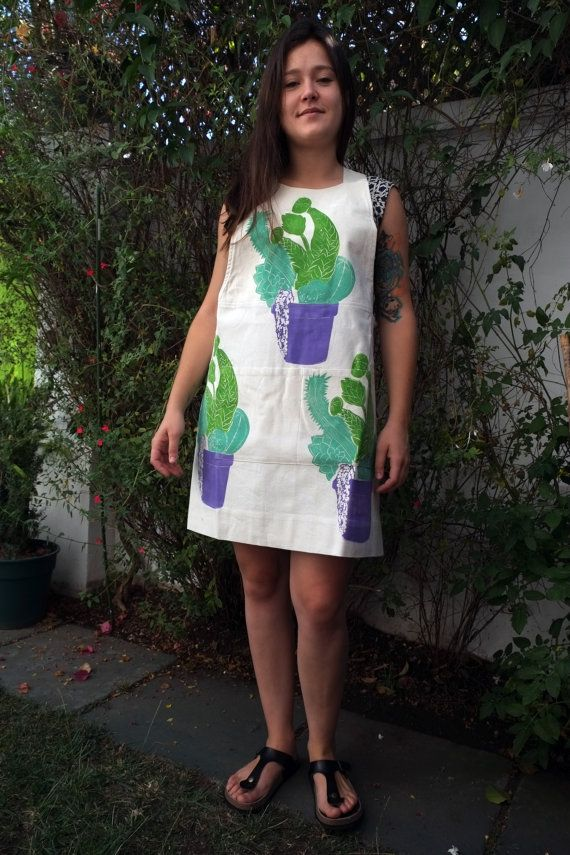 Crossed Back Apron in Raw 100% Cotton with Green and by LauraRosa