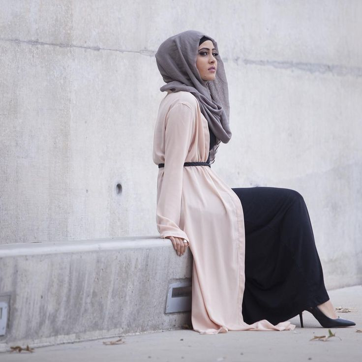 The dusty rose maxi cardigan $37.95/£24.20 paired with the latte viscose hijab $9.94/£6.30 ships worldwide. www.verona-collection.com modeled by @sarahhhyoo #veronacollection #verona @veronafanclub